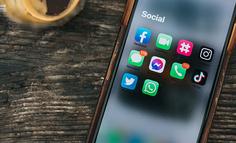 从Facebook到微信,社交媒体的青少年之困